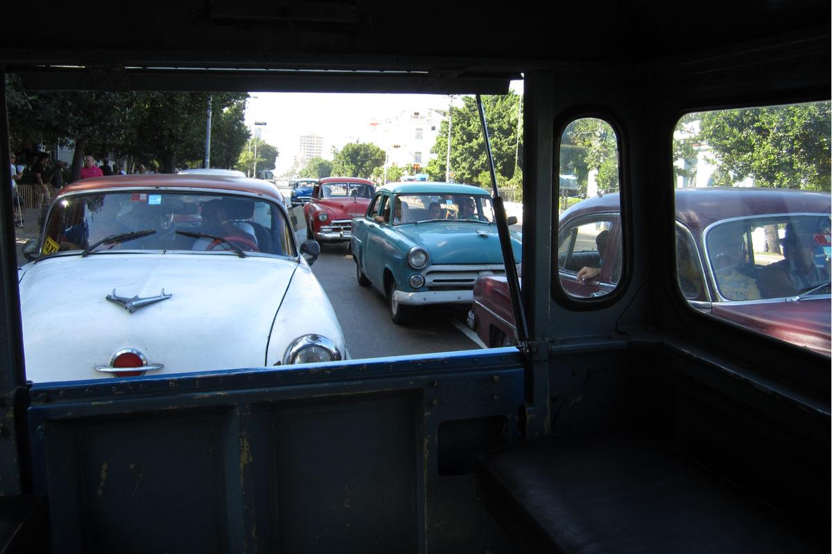 Kuuban oudot automarkkinat Uusi Kia Picanto maksaa 4