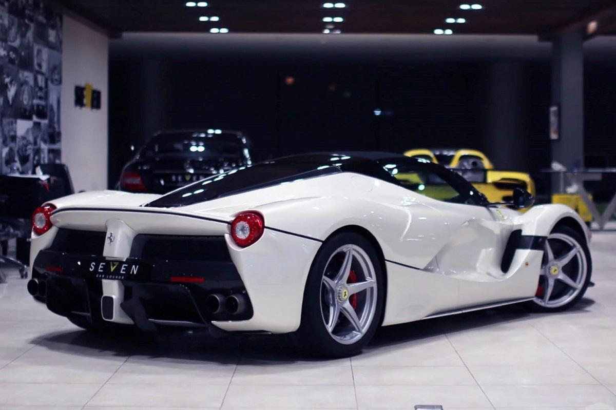 Ferrari Hinta