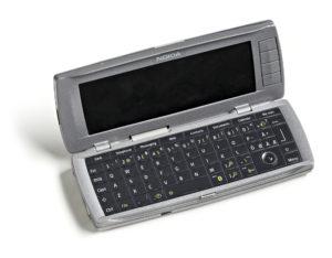 Nokia oli aikanaan paljon edellä muita. Nokian kommunikaattori yhdisti onnistuneesti matkapuhelimen, data- ja faksipalvelut, kalenterin, sähköpostin sekä yhteydet nettiin.