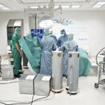 Puhdasta sisäilmaa vaativiin kohteisiin: leikkaussalin ilmastointitekniikkaa simuloidaan Haltonin tutkimuskeskuksessa.