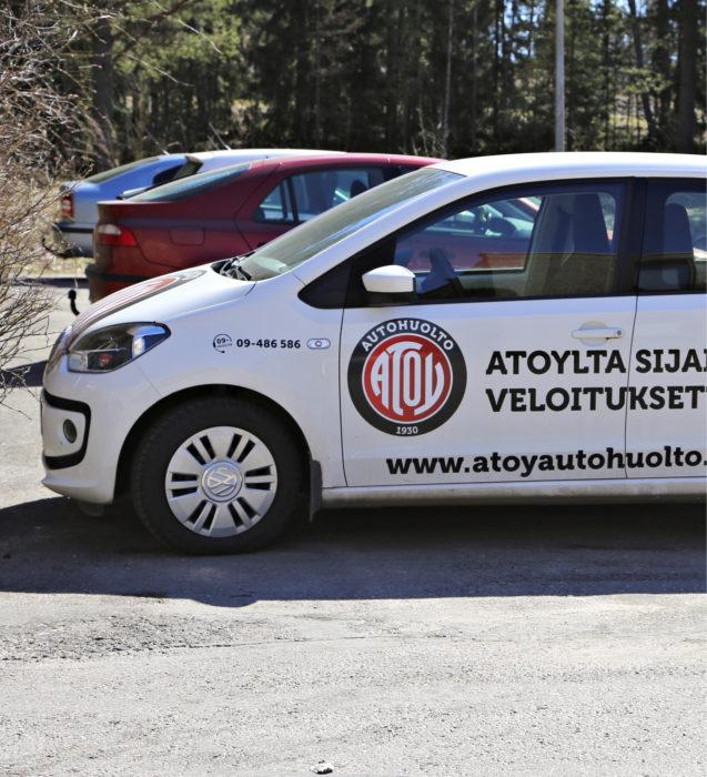 Atoy Autohuollon asiakaspalvelulisänä on ilmainen sijaisauto käyttöön huollon ajaksi. Se on erittäin mukava kädenojennus asiakkaalle.