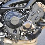 Kolmisylinterinen moottori kerää kehuja erityisesti keskikierrosalueen väännöstä.