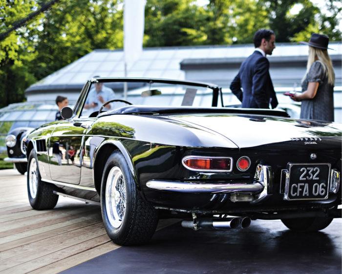60-luvun Ferrarit olivat hyvin edustettuina RM Sotheby'sin huutokaupassa. Tämä 1965-mallin täydellisesti restauroitu Ferrari 275 GTS myytiin lähes kahden miljoonan euron hinnalla.