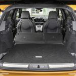 DS 7 Crossback on sen verran kookas, että sekä matkustajille että tavaroille on riittävästi tilaa.