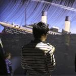 Titanicin uppoaminen kuvataan museossa hillitysti hätäsanomien ja silminnäkijöiden kertomusten kautta.