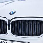 BMW:ssä on aktiivinen etusäleikkö, joka päästää jäähdytysilmaa moottorille tarpeen mukaan.