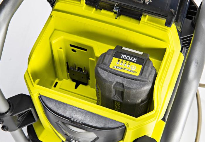 Ryobin painepesuri toimii 36 voltin ja 5 Ah:n akulla noin 15 minuuttia.
