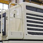 Teollisuus on lisännyt muovin käyttöä. Metallin vaihtaminen muoviin Metson murskaimen moottorikotelossa vähensi painoa, helpotti huoltoa ja kaunisti konetta.