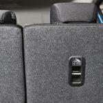 Top Tether -kiinnityspiste sijaitsee yleensä takapenkin selkänojassa. Sitä tarvitaan yleisimmin istuimissa, joissa matkustetaan kasvot menosuuntaan.