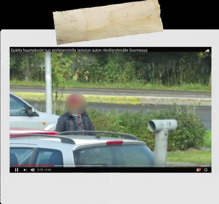 Kuvakaappaus poliisin videosta, joka liittyy KRP:n ja Sisä-Suomen poliisin paljastamaan laajaan huumausainerikosvyyhtiin. Epäilyillä ei ole tietoa siitä, että poliisi tarkkailee hänen liikkeitään.