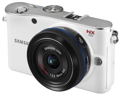Samsung NX100 valkoinen