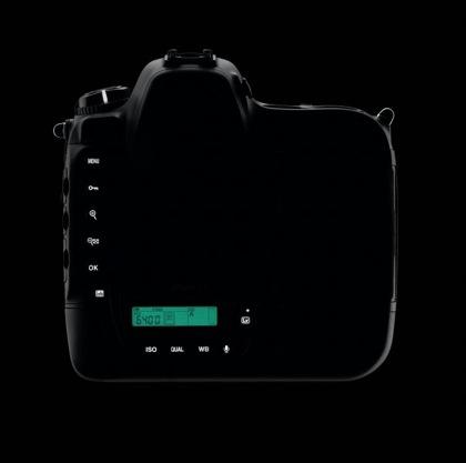 Nikon D4 valaistut näppäimet