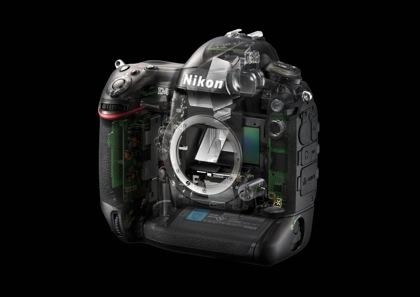 Nikon D4 sisältä