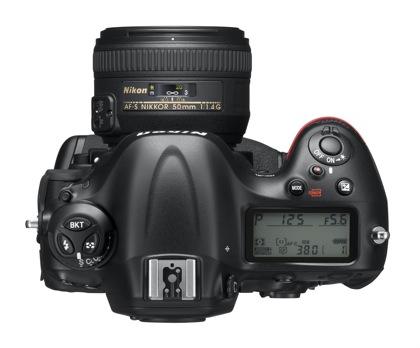 Nikon D4 ylä