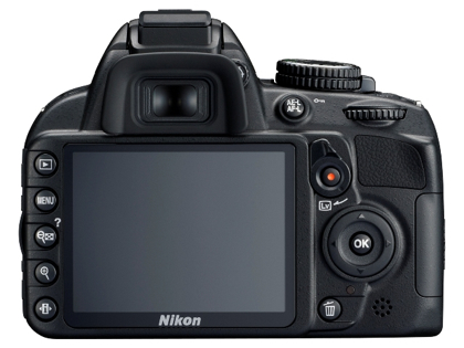 Nikon D3100 takaa