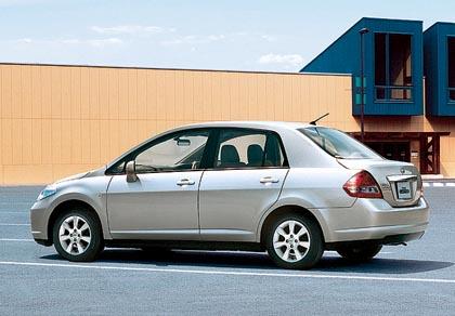 Nissan Tiida Latio: 80-94 kW