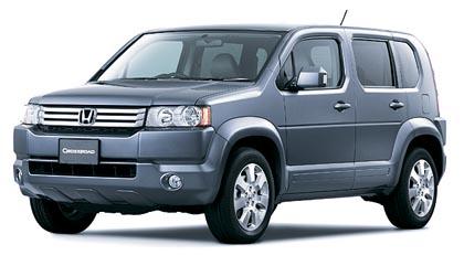 Honda Crossroad (103–110 kW): etuvetoisessa autossa on paikat seitsemälle.