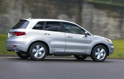 Acura RDX (177 kW): amerikkalaisittain kompakti katumaasturi Hondalle harvinaisella ahdetulla nelosmoottorilla.